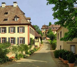 Am Schlossbuck, wunderbar erhaltenes Ensemble.