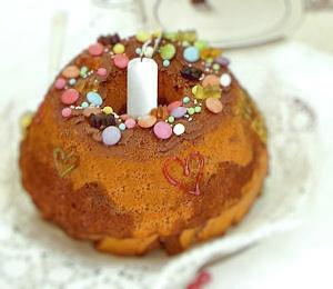 Auf Wunsch auch mit Kuchen und Geburtstagstafel.